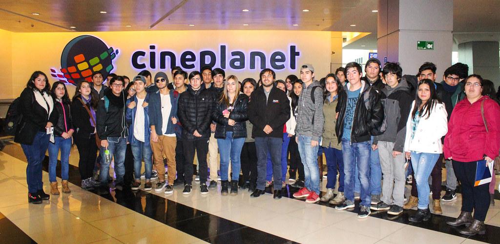 Alumnos del Liceo de Yungay y Campanario Fueron al Cine con Injuv