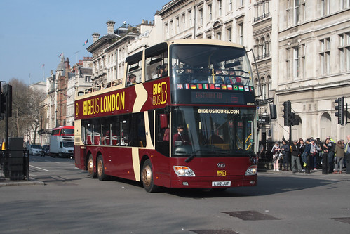 Big Bus Tours AN336 LJ12JUT