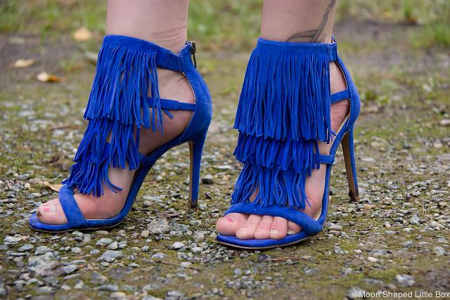 OOTD Steve Madden Fringly Sandals hapsukengät sähkönsininen kengät korkokengät tyylibloggaaja
