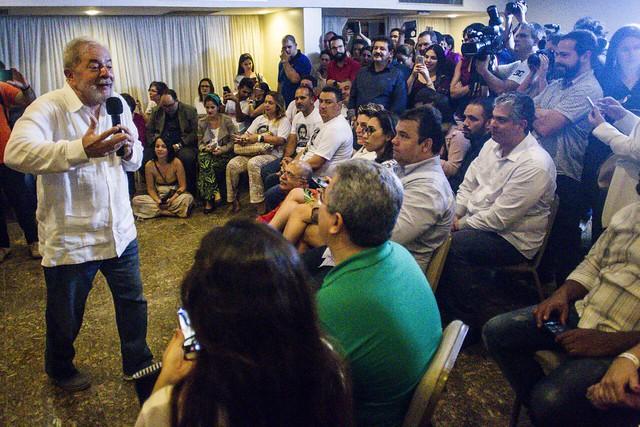 Profissionais do programa Mais Médicos denunciam a Lula ameaça de desmonte