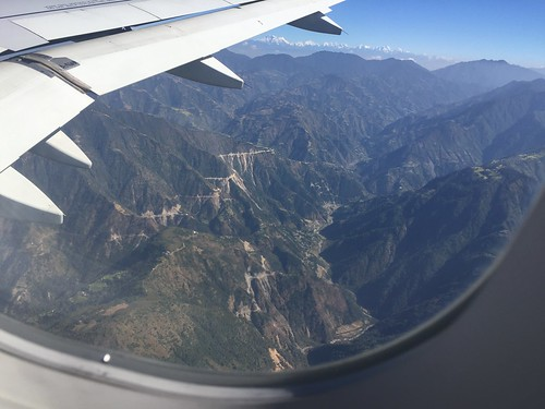 plane airplane landing approach kathmandu nepal mountains valley himalayas