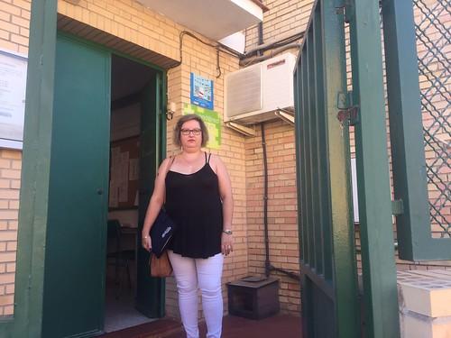 Mª Carmen Espada, portavoz del PP, visita a os centros escolares