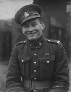 Sergeant Thomas William Holmes / Sergent Thomas William Holmes