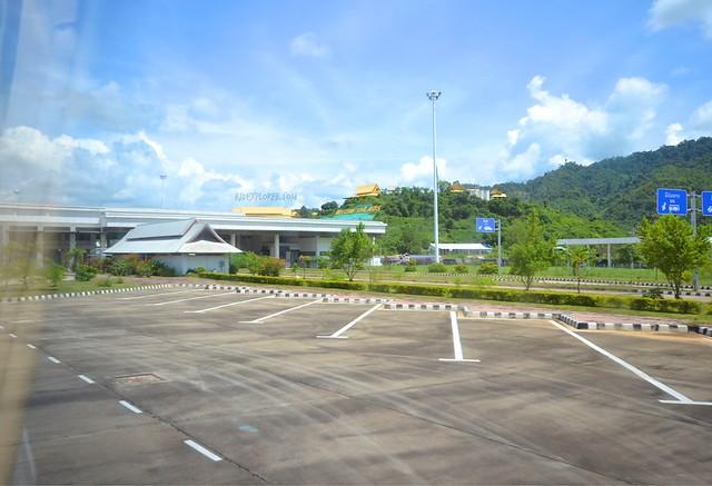 thailand laos border crossing bokeo border control