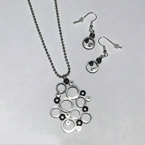 #paperjewelry Quilled Bubbles Pendant with Matching Earrings - Made by Deb Mackes
