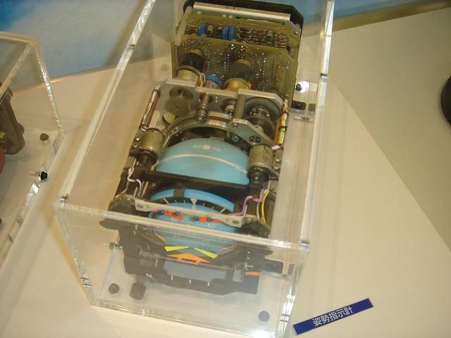 航空館boon 展示物  姿勢指示計 DSC00951