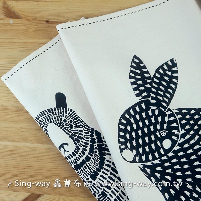 動物大圖騰 (2.7尺一圖)貓頭鷹 狐狸 兔子 熊 抱枕 束口袋 包包 購物袋 手工藝DIy拼布布料 CF1800004