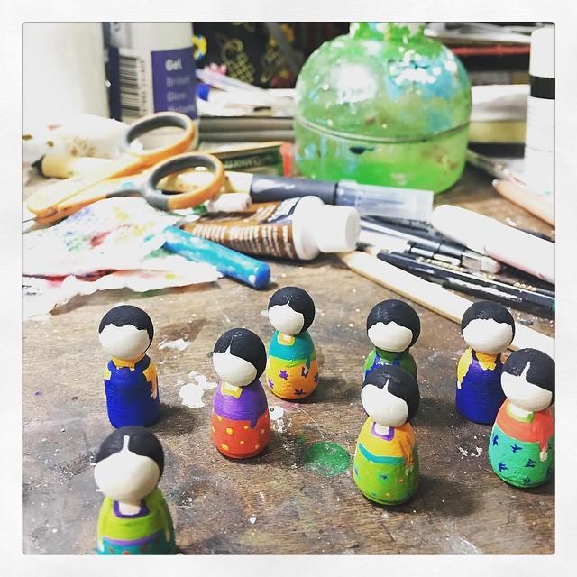 Lots of Friditas and Dieguitos in progress. They're mini, tiny, little dolls. #wip #danitaart #wooddoll #woodendoll #miniature #frida #fridakahlo #diegorivera