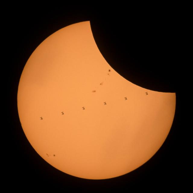2017 Total Solar Eclipse - ISS Transit (NHQ201708210202)