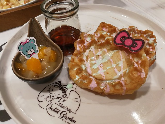 Hello Kitty Waffles