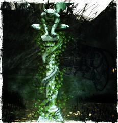 Eternal Gothic Guardian - Mantus