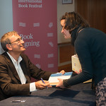 Orhan Pamuk signs copies of The Red-Haired Woman | © Alan McCredie