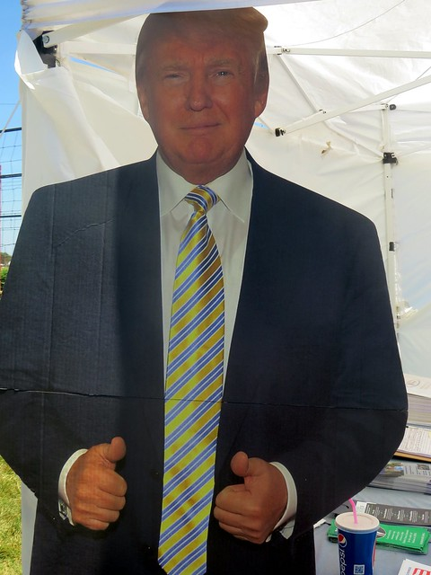 #Trump was seen @ the #IndianaStateFair giving the thumbs up!