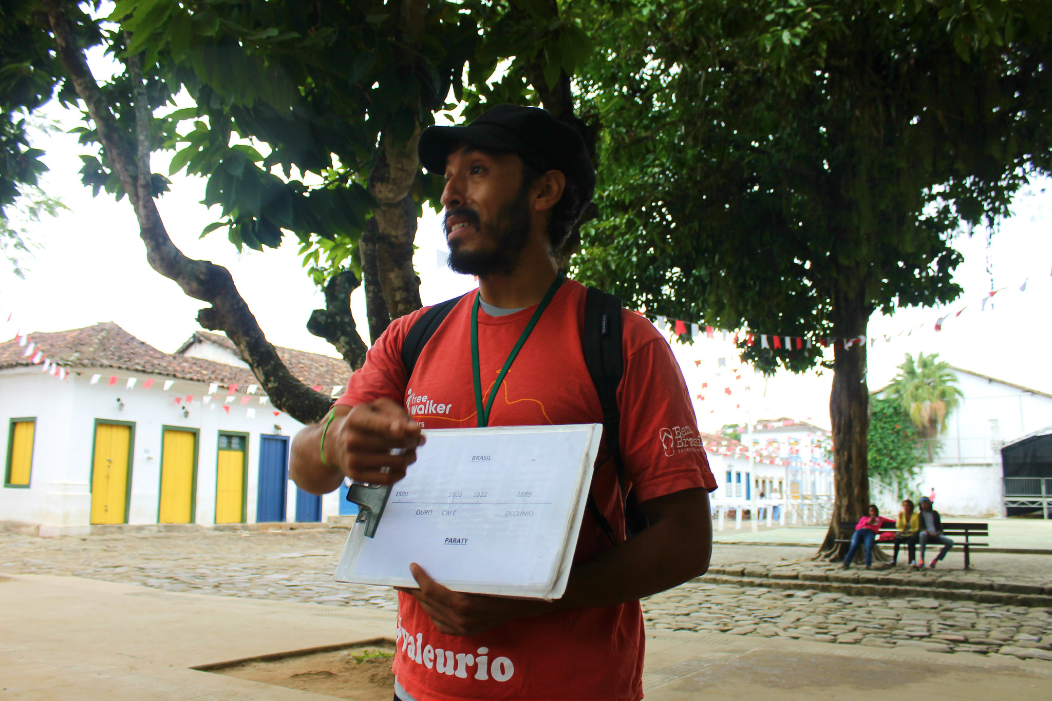 walking-tour-paraty1