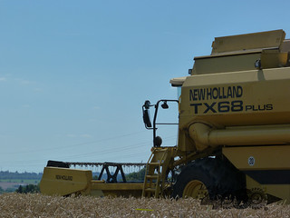 New Holland Tx68 plus-119