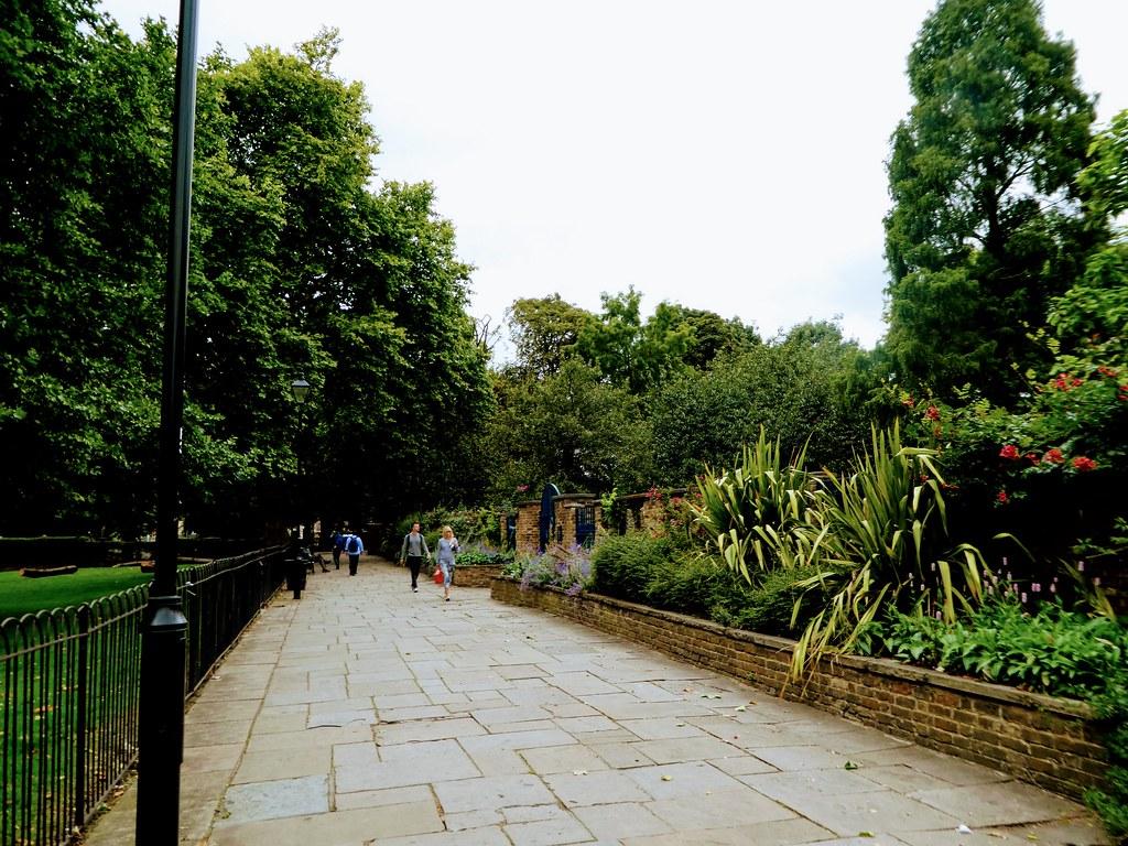 Walled Garden Walk, Hackney