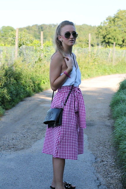 vicky-skirt-whole-look-side-wiebkembg