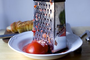 method two: grated tomato