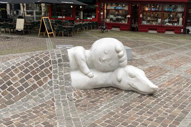 Nello & Patrache Statue