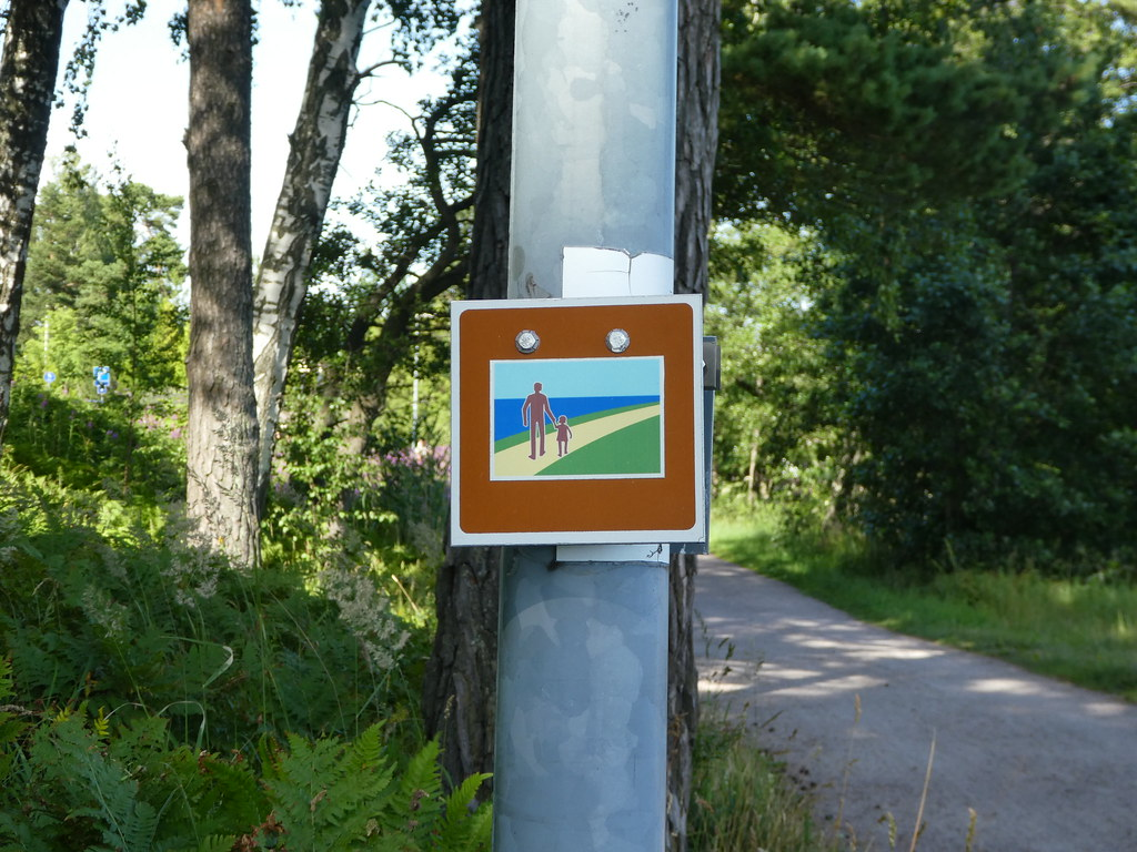 Signpost for the Espoo coastal path, Finland