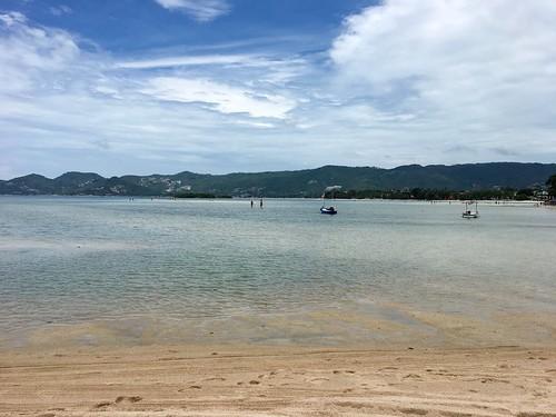 今日のサムイ島 8月11日 ビーチで遊んでおいしいタイ南部料理を食べよう!-サムイの醍醐味