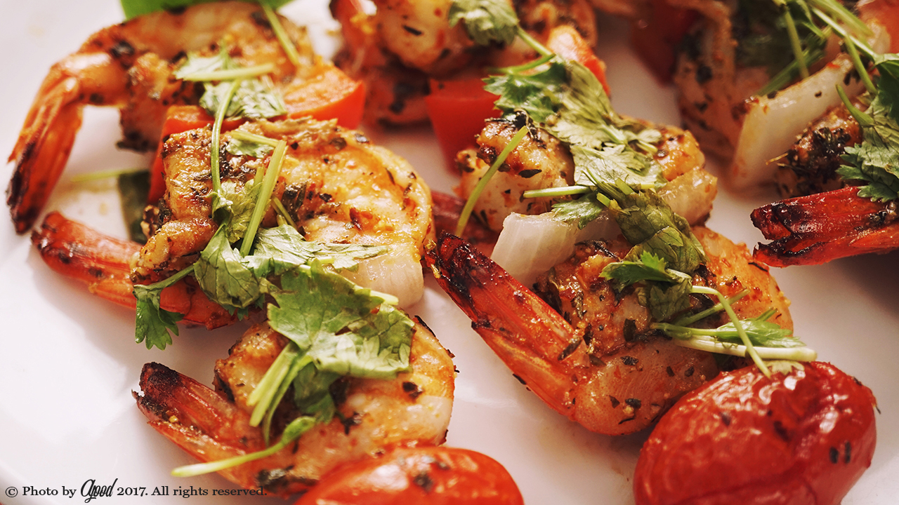 Low Carb Grilled Garlic Herb Shrimp Skewers Recipe