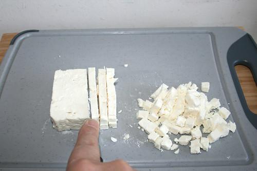 14 - Schafskäse würfeln / Dice feta