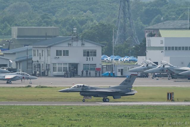 JASDF Chitose AB Airshow 2017 Rehearsal 7.21 (22) PACAF F-16C / 92-887