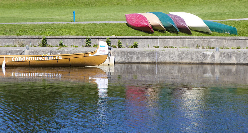 canoes by lift lock