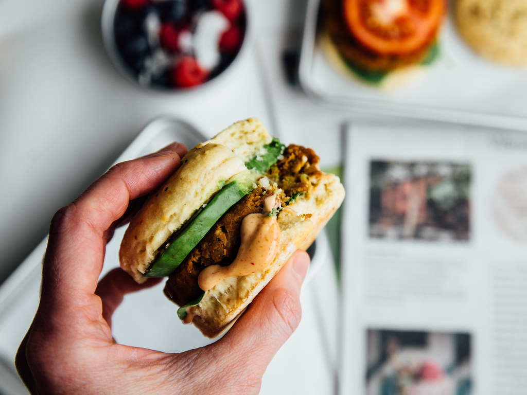 Smoky tempeh breakfast sandwiches