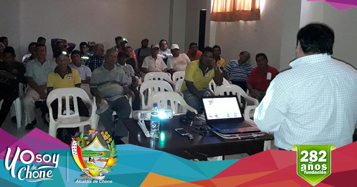 Alcaldía de Chone capacita a sus obreros y empleados municipales