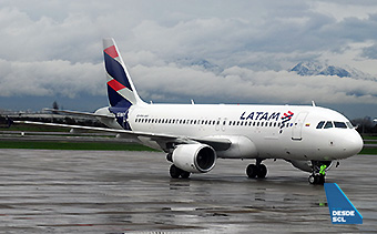 LATAM A320 CC-BAT SCL winter (RD)