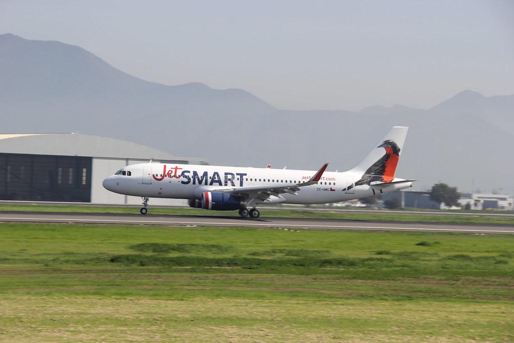 Airbus 320-232 CC-AWC