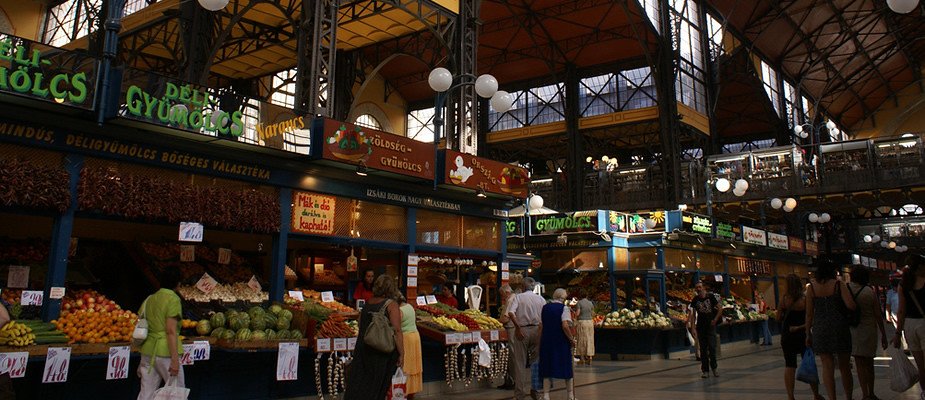 Must-eats in Budapest: Great Market Hall | Mooistestedentrips.nl
