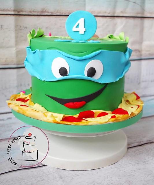 Cake by Katarzyna Rarok of Kates Sweet World