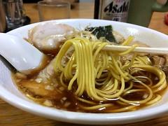 Closer shot of ramen topped with sliced char siu and leak from Minmin @ Nishi Hachioji