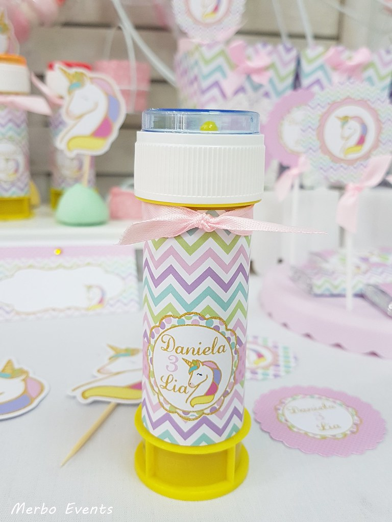 pomperos personalizados fiesta cumpleaños unicornio Merbo Events