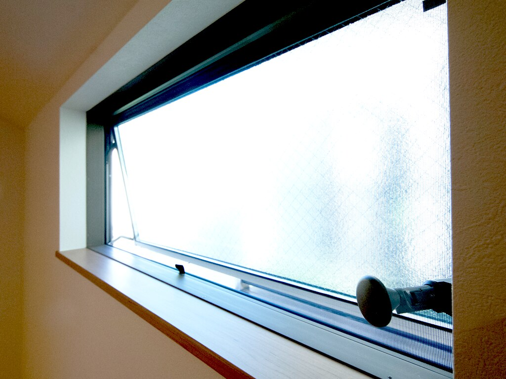 光と風の流れをつくる窓1