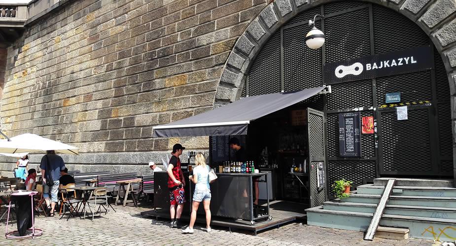 Stedentrip Praag in de zomer: 9 tips, Náplavka | Mooistestedentrips.nl