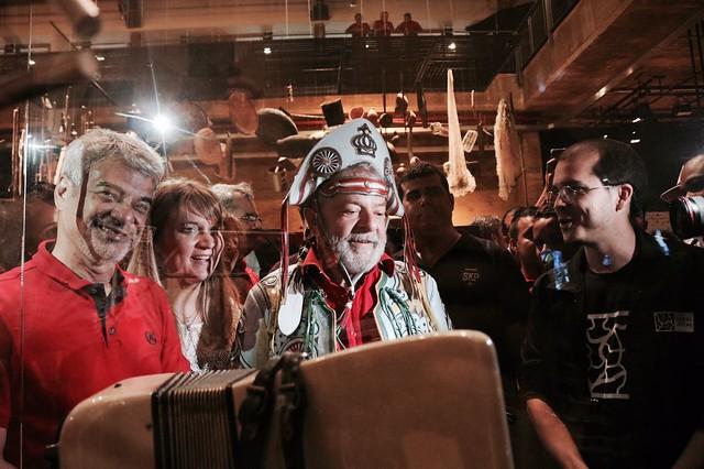 Lula volta a seu estado natal para ouvir as demandas do povo pernambucano