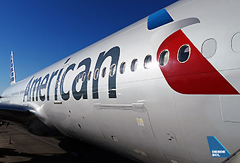 American Airlines B777-200ER billboard