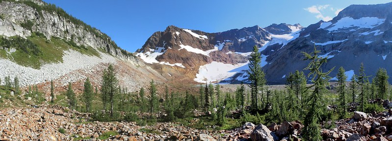 Panorama view of Spider Gap, the Lyman Glacier, and a grove of Larches from the Lyman Lakes Trail