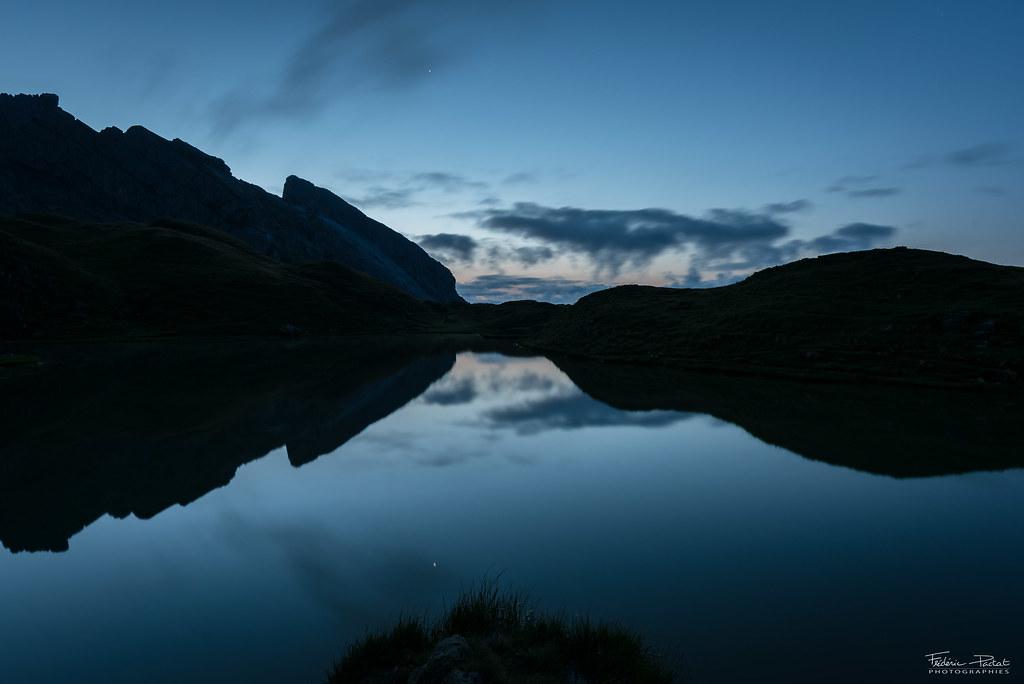 L'aurore sur le Lac de Peyre