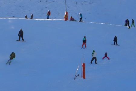 Kalendář školních prázdnin pro lyžaře 2017/18: kdy a kde lyžovat bez davů?