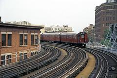 US NY NYC Subway Simpson St. Station, White Plains Rd Line - R-33 8987