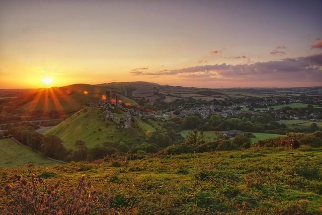 Sunrise at Corfe Castle, Sony ILCA-77M2, Tamron 16-300mm F3.5-6.3 Di II PZD