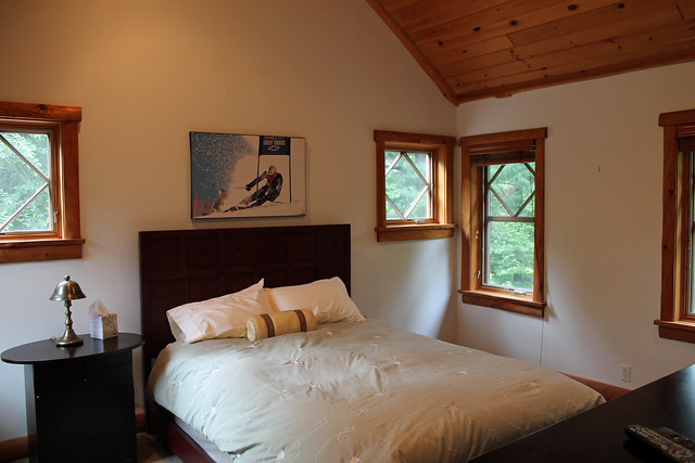 Upstairs guest bedroom with full private bath;