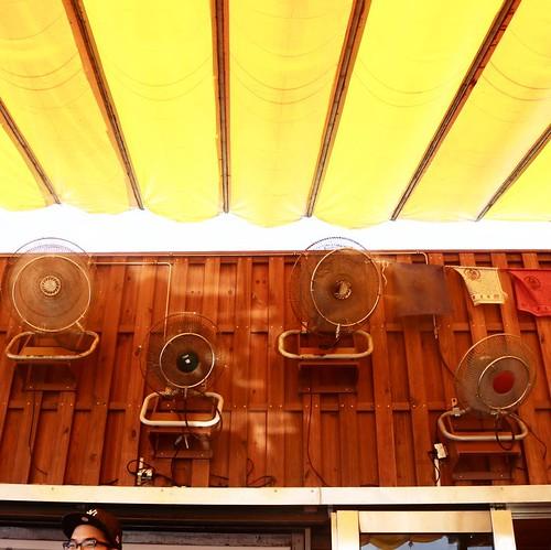 フル稼働な扇風機たち。 #台湾 九份