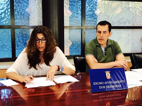 Carmen Gil y Juan Antonio Vilches en rueda de prensa