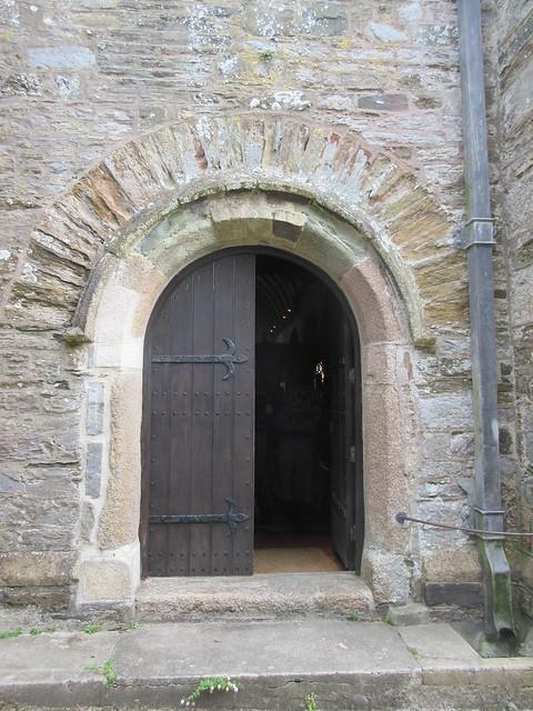 Does this door date, Canon IXUS 265 HS